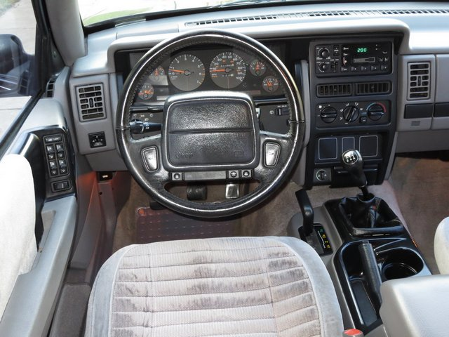 jeep grand cherokee manual it exists playswithcars rh playswithcars com Jeep WK Jeep JK